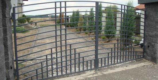 brama otwierana automatycznie D010