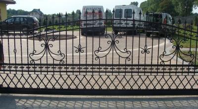 brama wjazdowa przesuwna D05