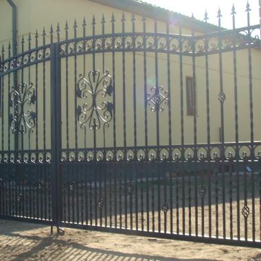 brama wjazdowa dwudzielna D07